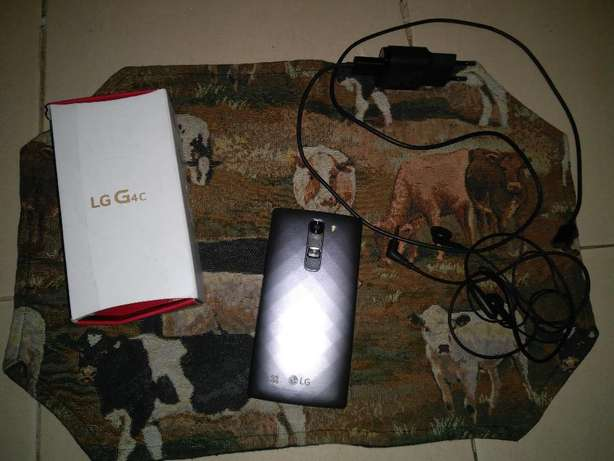 LG G4c 8GB with all accesories as good as new KSH 15,000 Greenspan - image 4