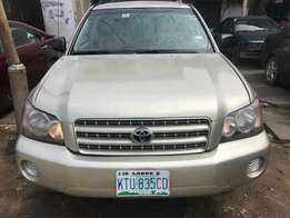 first body buy and drive Toyota Highlander with full option