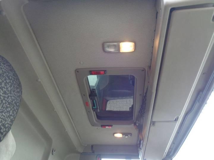 DAF CF 75.310 + Euro 5 + Lift - 2009 - image 17
