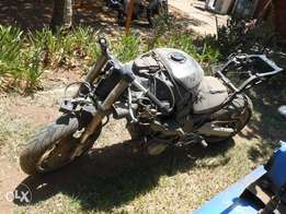 Kawasaki ZX12 (2000 model) stripping for spares