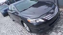 Super clean Tokunbo Toyota Camry SE