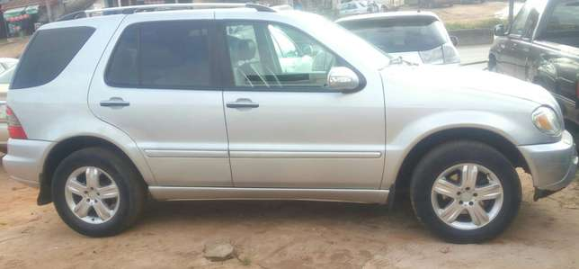 Mercedes Benz ML350 numbered 2005 Benin City - image 3