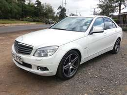 Mercedes benz C200 year 2009 Model