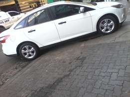 2013 Ford Focus 1.6,White color
