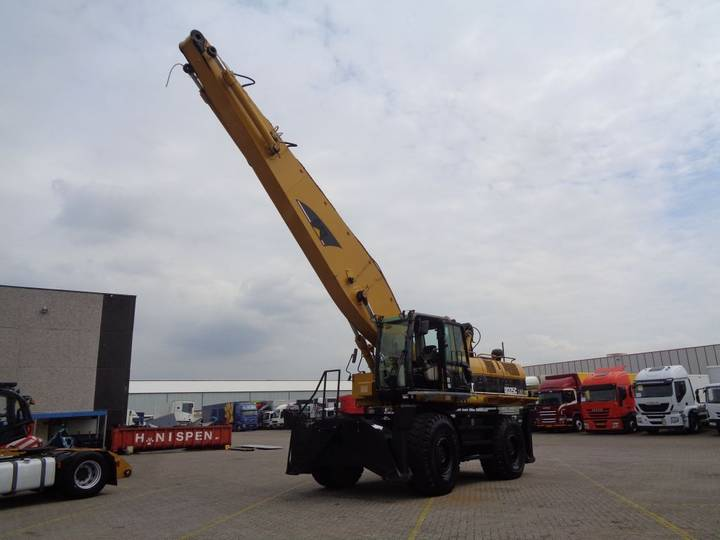 Caterpillar M325C LMH + Crane + Attachment - 2001