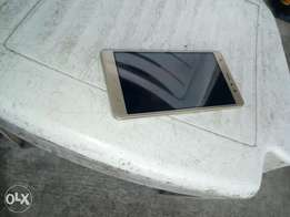 4 days phone and also it has is a finger print