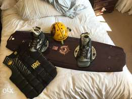 PRICE REDUCED! Loquid force wakeboard and kit, used for sale  Pretoria East