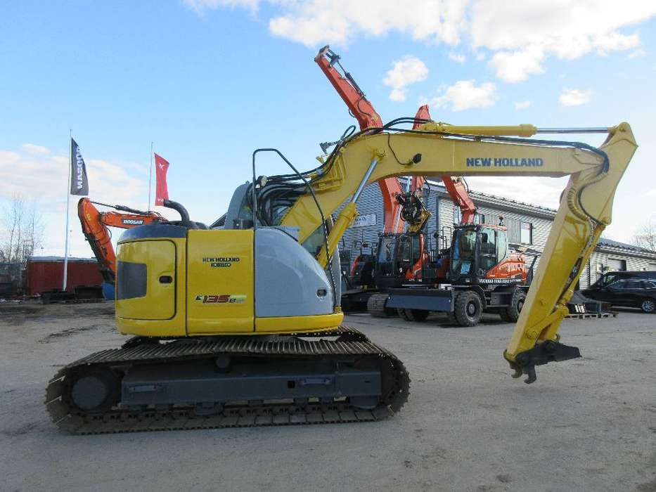 New Holland E135bsr - 2008 - image 3