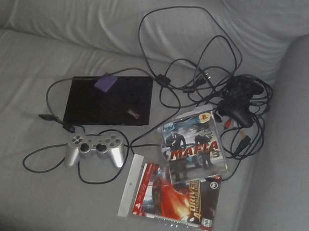 brand new ps2 using cds and flash disk with a memory card and 2pads Mombasa Island - image 2