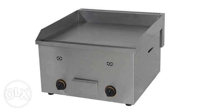 Gas grill and electric