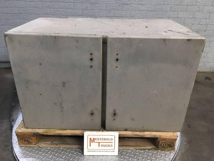 Box div. laadbak met zijdeur  body