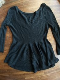 2a0c802cb5 Zara S czarny sweterek z baskinką 36