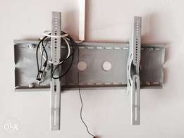 Wall bracket for tv