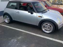 Mini Cooper 1.6i black top