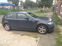 I'm selling my car bmw 120i 2005 model price negotiable