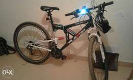 "29"" dual shock mountain bike"