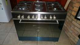 Strictly Cash Only: Brand new Elba 900mm gas & electric stove