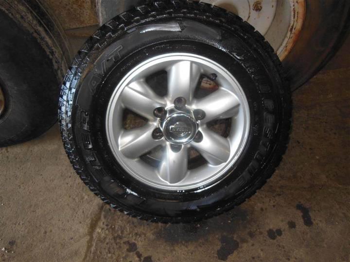 Nissan Komplette Hjul 235/70 R 16, 4 Stk. Med Fælge