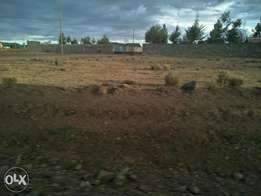 For quick sale 1/4acre plots for sale in Barnabas area Nakuru