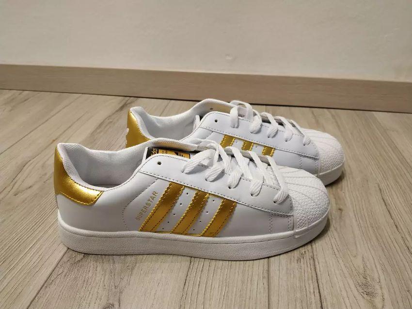 a4f0e1acbe8 Adidas superstar novo - Ženska moda - 3079111
