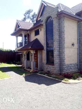 Elegant well spaced 4 Bedroom all ensuit villa with SQ and Attic floor Dagoretti - image 2