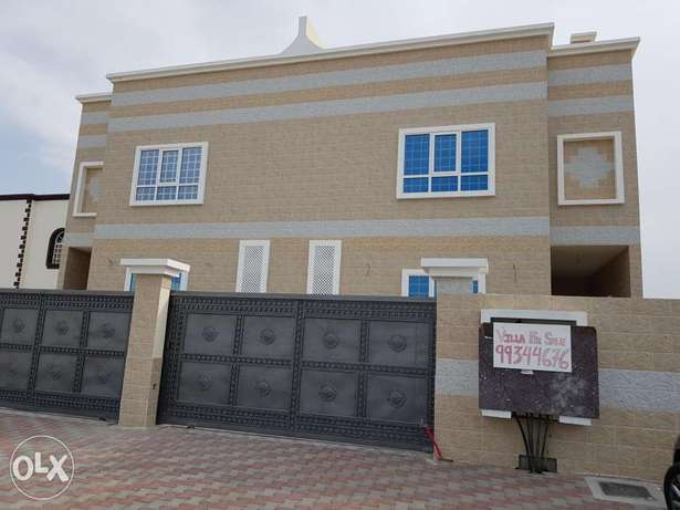 Twin villa for sale in Amerat phase 1