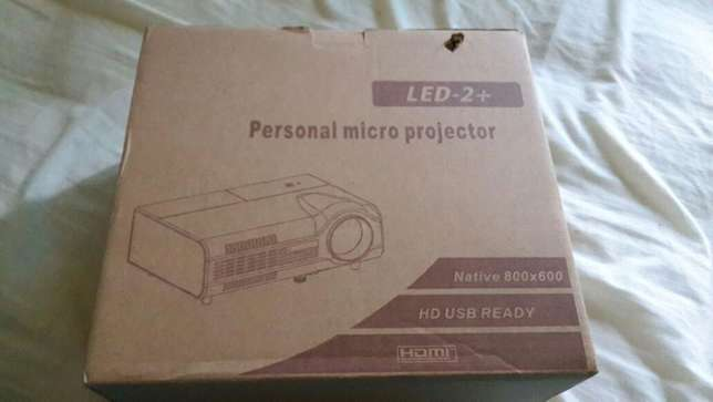 Personal Micro Projector LED - 2+ Midrand - image 1
