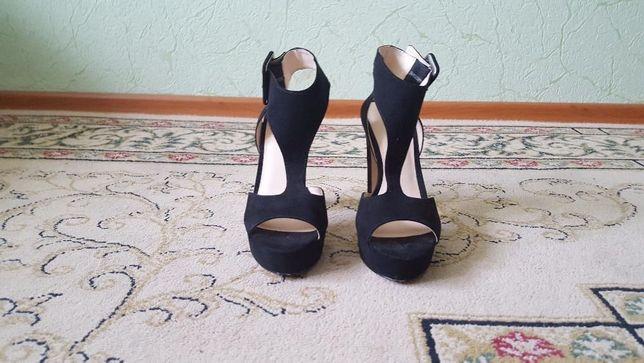 a8a58e6788cee2 Босоніжки Італія 38 розмір: 500 грн. - Жіноче взуття Рівне на Olx