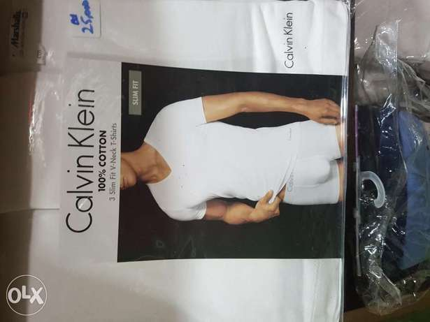 Original Calvin klein v.neck undershirt t.shirts.3 in a pack Ibadan South West - image 1