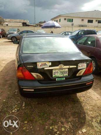 TOYOTA AVALON 2004 Very Clean_Give Away Price Benin City - image 3