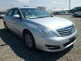 Cash or hire purchase: Nissan Teana 2010model