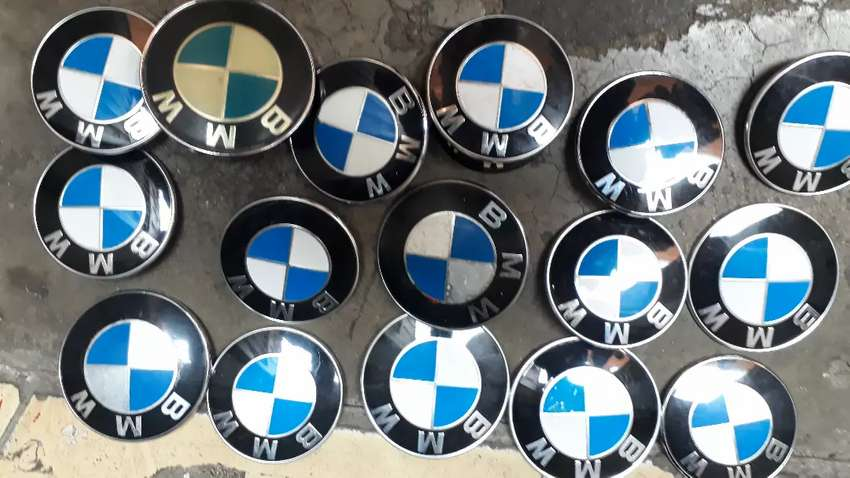Selling All Sizes Of Bmw Badge On The Front Bronnet R200 Each