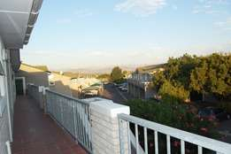 Spacious 2 bedroom apartment within a sought after complex in Oakglen