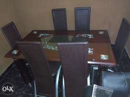 Exotic Six-Sitter Home Dining Table