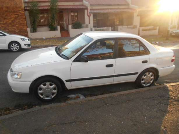2001 White Toyota Corolla Crystal Lite 1.6 for sale Johannesburg - image 2