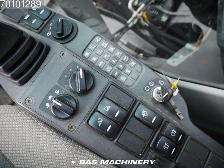 Volvo EW140C Ex dutch machine - all functions - 2007 - image 15