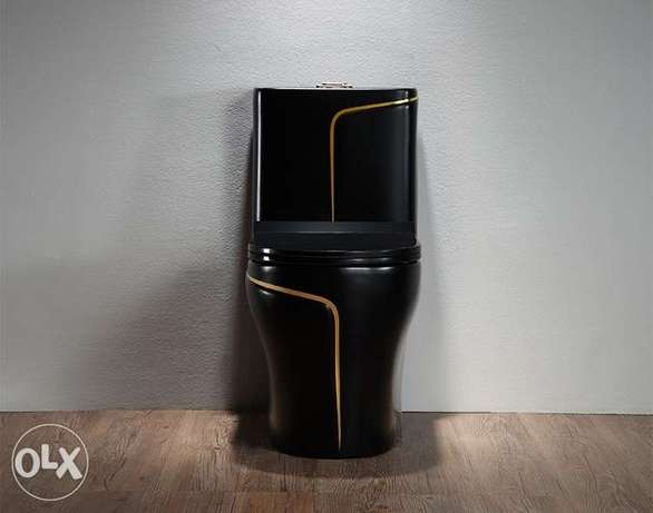 luxury black wc toilet desigh model with gold line Riyadh - image 3