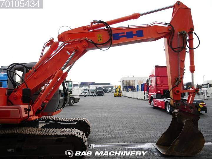 Hitachi EX165 German Dealer Machine - 2002 - image 6