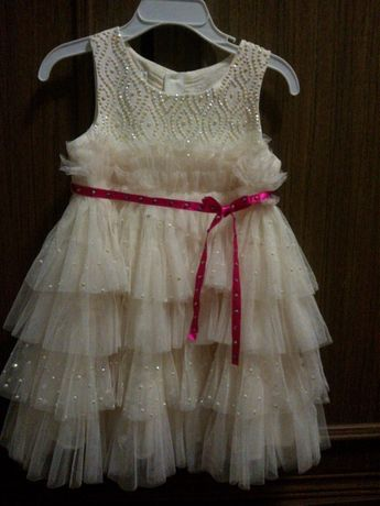 Продам нарядное платье на девочку  300 грн. - Одяг для дівчаток ... 96fdf06b7e35e