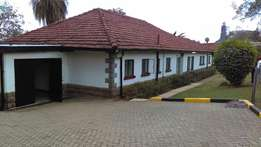 Commercial 5 bedroom house with own compound to let in Kileleshwa