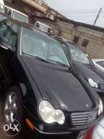 Few months used Mercedes Benz C230 06 with full option