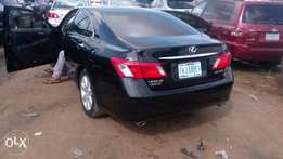 A Clean and neatly use Lexus ES 350, 2005 model