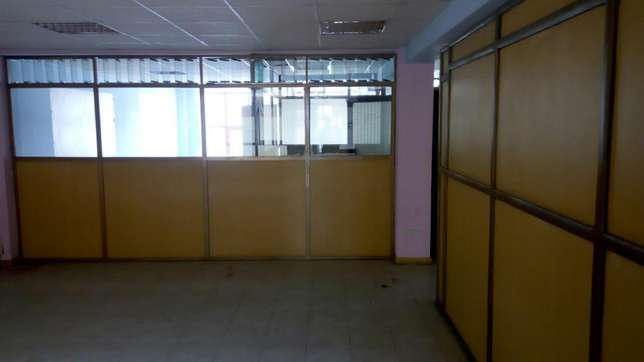 Muigai commercial ,office space to let on 2nd and 5th flr Kenyatta Ave Nakuru East - image 4