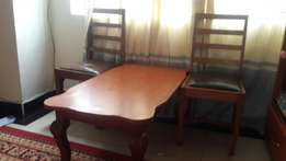 Tea table and 2 Chair quick sell
