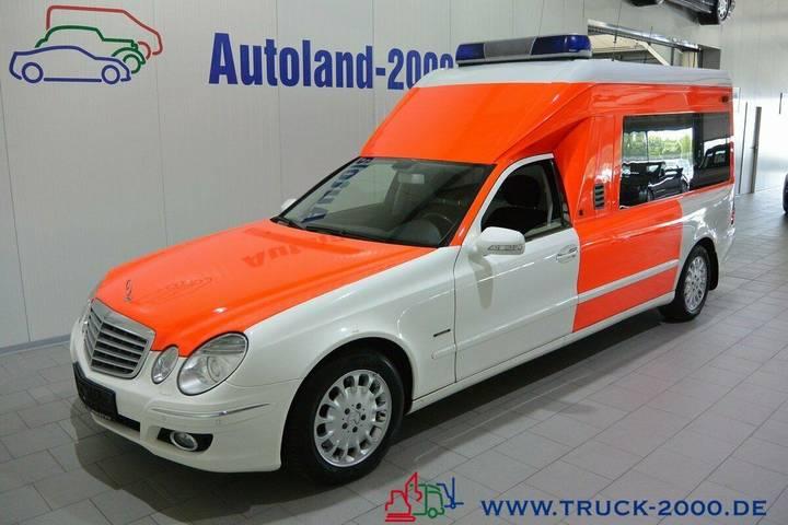 Mercedes-Benz E 280 Krankentransport Trage Rollstuhl Rampe - 2008