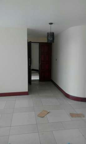 Executive 3 bedrm plus sq apt for rent in riverside drive Kileleshwa - image 3