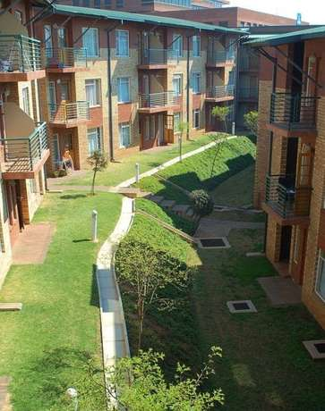 1 bedroom available in a two bedroom ,Laborie village ,secure complex Auckland Park - image 3