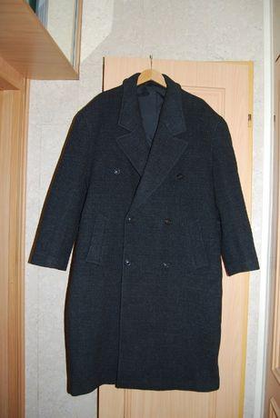 69fb5ffe5a014 Zimowy,wełniany płaszcz męski firmy HUGO BOSS,idealny na zimę Łódź - image 1