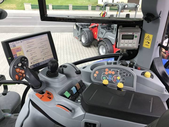 New Holland t7.220 auto command - 2014 - image 2