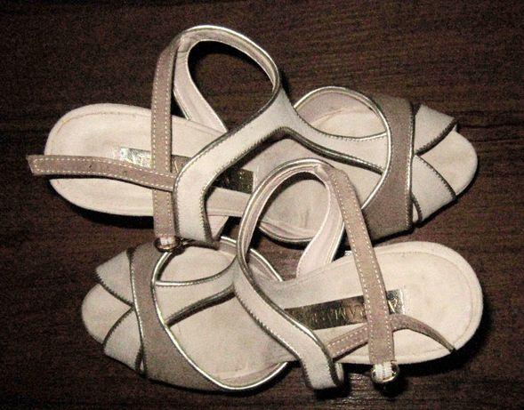Босоніжки 40 р-р натуральний замш каблук  150 грн. - Женская обувь ... fa8771f6f8591